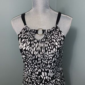 N.W.D. New Woman Design black and white top small
